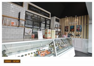 gelateria restyling negozi da incubo vetrofanie